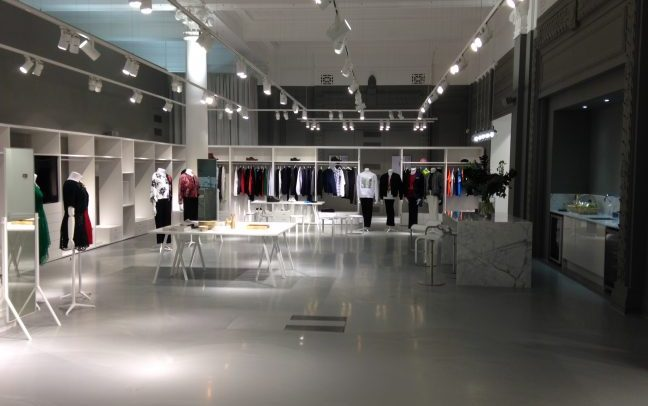 Beautiful Clean open Plan Shop Fit-out design and installation